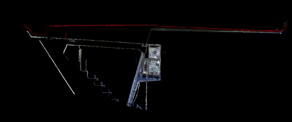 fig. 8. Sezione Longitudinale #1. Nuvola LiDAR vs nuvola fotogrammetrica (rosso)